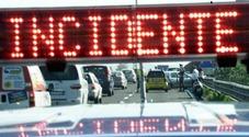Maxi tamponamento fra sei auto  in tangenziale: traffico e code