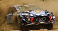 WRC, Hyundai domina in Australia: vinti i primi 8 stage. Mikkelsen davanti a Neuville