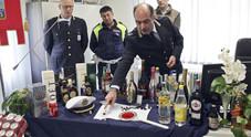 Droga nel pennarello, 900 bottiglie  sequestrate: blitz, chiuso l'ex night
