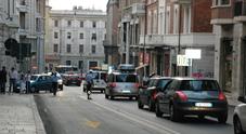 Corso Stamira senza Natale L'ira dei commercianti «Siamo stati lasciati soli»