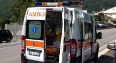 L'ambulanza non arriva Dottoressa aggredita dalla folla a schiaffi e spintoni