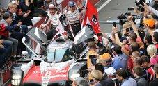 Alonso domina a Le Mans: vince con la Toyota e la Triple Crown si avvicina. Successo Porsche tra le GT