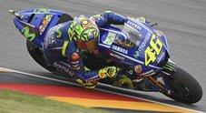 Marquez pole a Brno, Rossi secondo è in prima fila