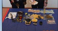 La droga sequestrata dai carabinieri al 57 spacciatore di Quero Vas