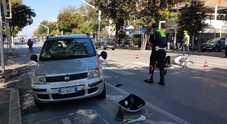 Scooter contro auto al mare grave un 70enne in scooter Elisoccorso atterra alla Palla