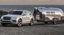 Bentley Bentayga e il suo caravan vip per campeggiatori milionari