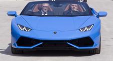 Renzi visita lo stabilimento della Lamborghini e prova anche una Huracan spider