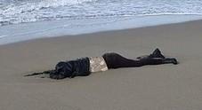 Cadavere in spiaggia a Paestum, scoperta l'identità dopo due mesi