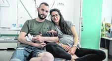 Parto improvviso: Isotta nasce in casa, il papà si improvvisa ostetrico