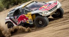 Peterhansel (Peugeot) vince nonostante l'incidente e riprende la testa della classifica