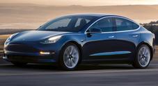 Tesla Model 3, in Usa iniziate le consegne ai clienti nella versione ad autonomia estesa
