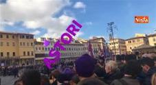Funerali Davide Astori, diecimila in piazza a Santa Croce