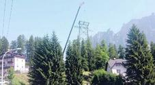 """Dopo 50 anni la """"freccia del cielo"""" dice addio a Cortina /Lo smantellamento"""