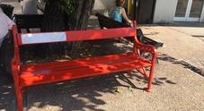 Vandalizzata la panchina rossa  contro la violenza sulle donne