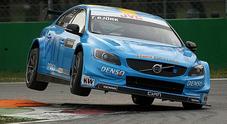 WTCC, Volvo e Bjork protagonisti a Monza. Huff (Citroën C-Elysée) alle sue spalle