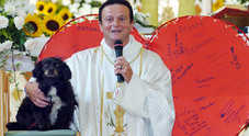Don Marino Ruggero, si scatenano i pettegolezzi fra fedeli sulle abitudini del parroco
