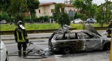 Esplode motore auto a Gpl in transito a Roma, nessun ferito