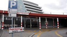 Aggressione in Pronto soccorso: paziente rompe il ginocchio all'infermiera