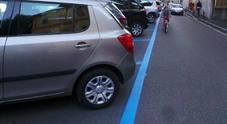 Parcheggi, strisce blu gratis a Firenze per le auto elettriche e ibride