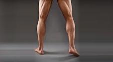 Le gambe lunghe e ben proporzionate degli uomini seducono le donne