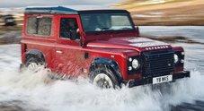 Land Rover festeggia i 70 anni con un Defender speciale: solo 150 unità con motore 5.0 V8 da 405 cv