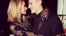 Paris Hilton si sposa, l'anello ha un diamante da due milioni: «Ho rischiato di perderlo...»