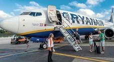 Passeggero su volo Ryanair non vuol star seduto vicino a donna di colore: caos a bordo