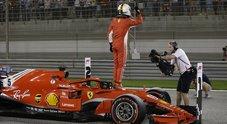 Gp Bahrain, Ferrari da urlo: prima fila tutta Rossa con Vettel in pole. 3^ la Mercedes di Bottas, 9° Hamilton