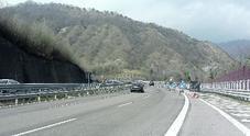 Autostrada a senso unico: tutta colpa delle manutenzioni... e se succede un incidente è il caos