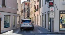 Le auto sono tornate a passare sul ponte San Francesco a Treviso (foto Alvise Bortolanza per Nuove Tecniche)