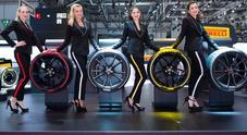 Pirelli lancia la gomma connessa e interattiva. E per le supercar, pneumatici colorati stile F1