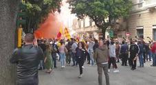 Lecce promosso in Serie A, esplode nelle strade della città la gioia dei tifosi