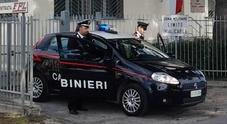 Monte Porzio, picchia e violenta la moglie davanti al figlio di 5 anni: arrestato