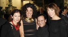 Addio ad Alaïa, il «re alieno» della moda francese: lanciò Naomi Campbell