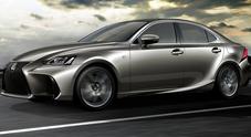 Lexus IS, il nuovo look della berlina con linee più aggressive svelato a Pechino