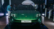 Porsche Taycan Cross Turismo, la presentazione al V Lounge di Ostia