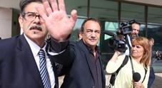 De Magistris chiama Lucano: «Vieni a vivere da noi a Napoli»