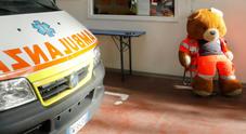 Bimbo di 3 anni finisce sotto la ruota del bus: è gravissimo all'ospedale