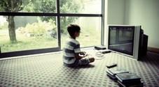 Sant'Antimo, bimbo di 3 anni in strada col pigiama: tra le mani un joystick per videogiochi