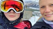 Gwyneth Paltrow posta foto con la figlia sui social, Apple si arrabbia: ecco perché