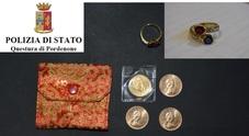 Sono vostri l'anello e le monete da collezione? Chiamate la Questura