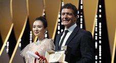 """Cannes: la Palma d'oro a """"Parasite"""", Banderas miglior attore. Italia a mani vuote"""