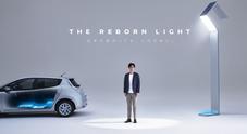 Nissan, le batterie di Leaf illuminano la città. La casa giapponese lancia il lampione intelligente