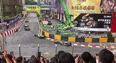 MacauGP, terribile incidente in Formula 3: l'auto di Sophia Floersch prende il volo e si schianta