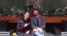 Leading Guy sul palco con Elisa: il cantante bellunese apre i 19 concerti
