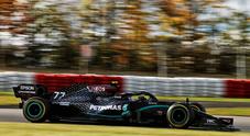 Bottas conquista la terza pole stagionale, grande qualifica di Leclerc, quarto con la Ferrari