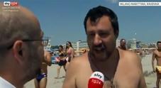 Immagine Salvini in spiaggia: «L'Ue non esageri...»