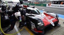 Alonso scalda i motori. La sua Toyota TS050 in testa nel prologo della 24 Ore di Le Mans