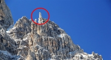 L'ultimissimo crollo è di due giorni fa: a Cortina, nel gruppo del Cristallo (sottogruppo del Popena) è venuto giù l'Ago Löschner.
