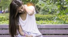 Collo dolorante per l'uso del tablet: le donne le più colpite